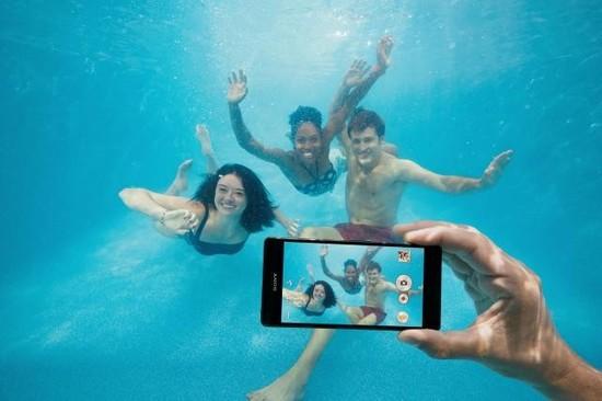 尼更改立场:请勿在水下使用防水手机 坏了不保修