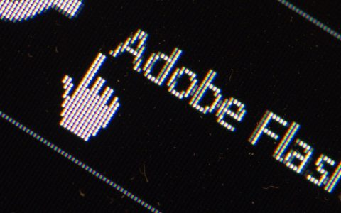 网络上出现由挖矿恶意软件假装的 Flash 更新提示